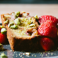 strawberry and pistachio loaf {gluten free}